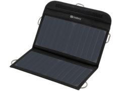 Sandberg Solar Charger er behageligt solidt bygget.