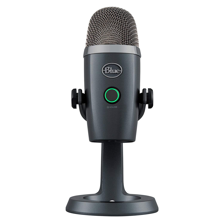 Mikrofonen hæver sig kun 21 centimeter over bordet.